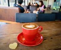Fin d'amour de cappuccino de café en café Image stock