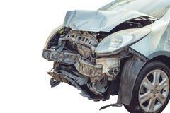 Fin d'avance de voiture d'accidents par brisé d'isolement sur le blanc photos libres de droits