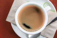 Fin d'expresso de café sur le fond en bois Photo libre de droits