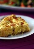Fin d'omelette espagnole vers le haut de verticale Images stock
