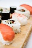 Fin de champ de cablage à couches multiples de sushi vers le haut Image stock