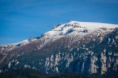 Fin de dessus de montagne, la Roumanie Images stock
