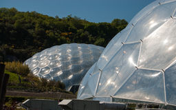 Fin de deux Eden Project Biomes  Photo libre de droits