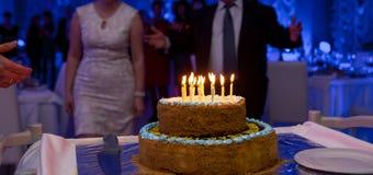 Fin de foyer sélectif vers le haut de gâteau d'anniversaire Photographie stock