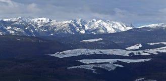 Fin de l'après-midi dans les montagnes Photographie stock libre de droits