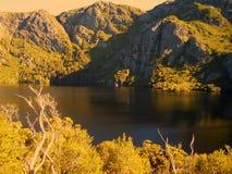 Fin de l'après-midi en parc national de montagne de berceau image stock