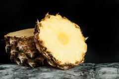 Fin de pomme de pin  Fruits frais Images stock