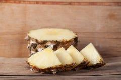 Fin de pomme de pin  Fruits frais Photo stock