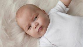 Fin de portrait de bébé banque de vidéos