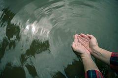 Fin de sécheresse de manque d'eau  image libre de droits