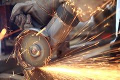 Fin de sawing en métal vers le haut Photographie stock