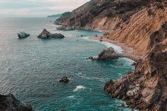 Fin de semana a través de la costa de California - carretera 1 imagenes de archivo