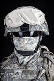 Fin de soldat des USA Marine Corps vers le haut de portrait sur le noir Photos libres de droits