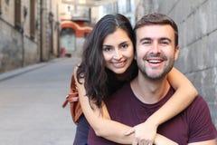 Fin de sourire de couples magnifiques  Photo libre de droits