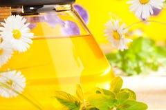 Fin de thé de fines herbes vers le haut photographie stock libre de droits