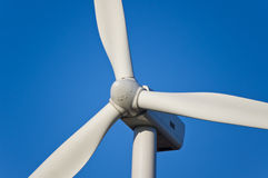 Fin de turbine de vent vers le haut Image stock