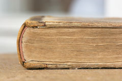 Fin de vieux livre vers le haut Photo stock