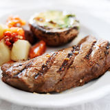 Fin gastronome de dîner de bifteck  Photos libres de droits