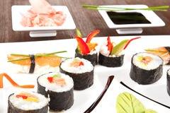 Fin luxueuse de plaque de sushi vers le haut. Image libre de droits