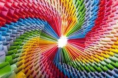 Fin modulaire d'origami d'arc-en-ciel lumineux vers le haut Image libre de droits