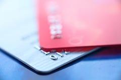 Fin par la carte de crédit vers le haut photo libre de droits