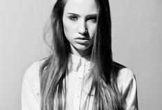 Fin sensuelle de modèle vers le haut de portrait Photo stock
