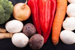 Fin supérieure vers le haut de vue sur les légumes sains photographie stock libre de droits