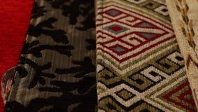 Fin textilnärbild långsamma Dolly Shot - spåring som är från vänster till höger arkivfilmer