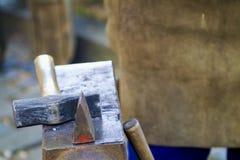Fin traditionnelle de scène de forgeron vers le haut Image stock