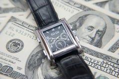 Fin vers le haut. Temps et argent. Photo stock