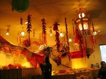 Fina orientaliska Art Display på en lokal kinesisk restaurang i Covina, Kalifornien, USA Arkivbilder
