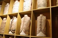 Fina waistcoats för aristokrater i Venedig, Italien Royaltyfria Foton