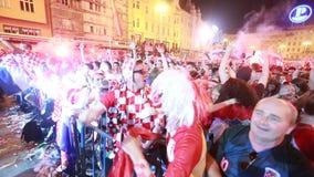 Final cuarto croata de los fanáticos del fútbol almacen de metraje de vídeo