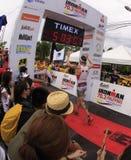 Final de la raza de la corrida del maratón de Ironman Filipinas Foto de archivo libre de regalías