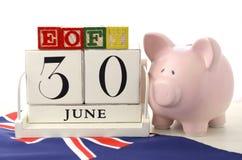 Final del concepto de los ahorros del ejercicio presupuestario Foto de archivo