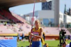 Finale del tiro di giavellotto di vittoria di Alina Shukh Ukraine nel campionato del mondo U20 di IAAF a Tampere, Finlandia 12 lu immagini stock libere da diritti