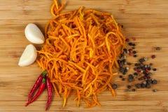 Finamente - cenouras desbastadas com especiarias Imagem de Stock