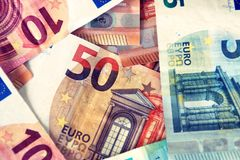 Finança, contas/notas dos euro foto de stock royalty free