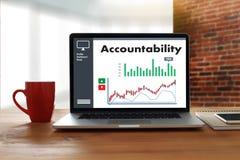 A finança global do dinheiro da conta poupança da responsabilidade calcula t Foto de Stock Royalty Free