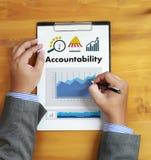 A finança global do dinheiro da conta poupança da responsabilidade calcula t Fotografia de Stock Royalty Free