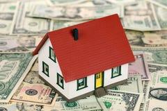 Financement à la maison (dollars) photographie stock