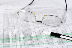 Finances. Graphiques, statistiques and plume Stock Images
