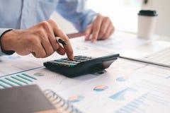 Finances enregistrant le concept d'économie photo libre de droits