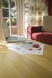 Finances et comptes à la maison images libres de droits