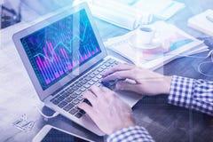 Finances, rapport et concept d'investissement photographie stock
