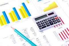 Financiële Analyse met grafieken en gegevens Royalty-vrije Stock Foto's