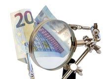 Financiële analyse van Europees geld stock afbeelding