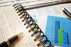 Financiële gegevens in boekhoudingsboek Royalty-vrije Stock Foto's