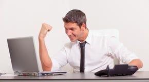 Financiële online bureauwinnaar Stock Foto's