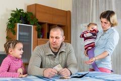 Financiële problemen in familie Royalty-vrije Stock Afbeeldingen